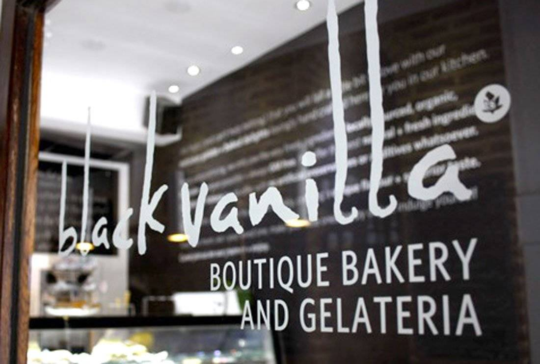 Black Vanilla-Boutique-Bakery-and-Gelateria-Door-Sign-Logo