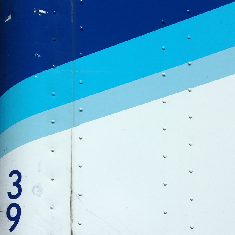 Abstruckt: Details of semi-truck graphics.