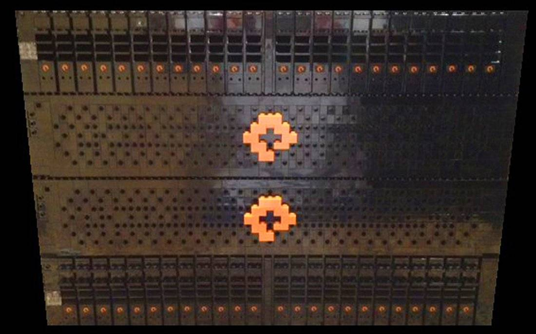 PureStorage Logo Flash Array in Lego Bricks