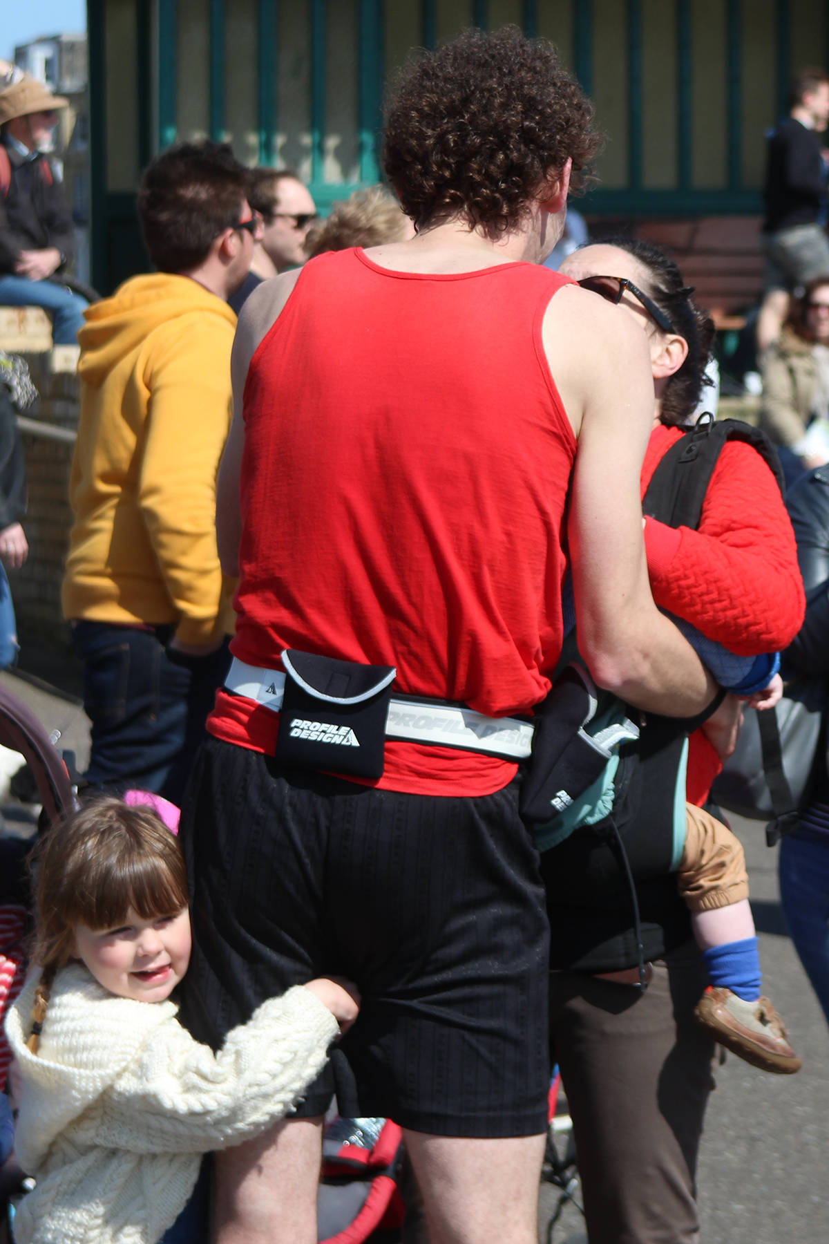 marathon runner proposes in Brighton Marathon 4
