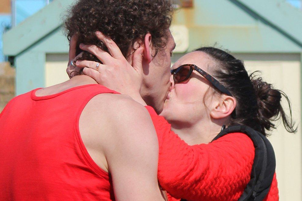 marathon runner proposes in Brighton Marathon 8