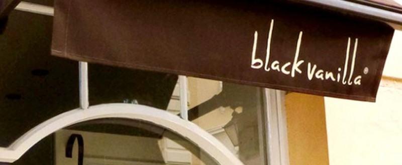 Black Vanilla Gelato Restaurant Outside