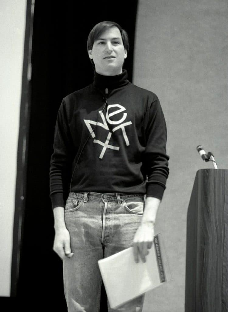 Steve-Jobs-wearing-NeXT-Logo-Tshirt