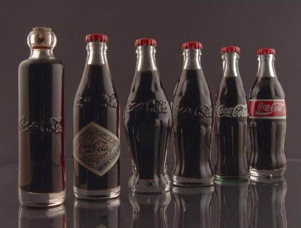 coca cola bottle-history-1899-1900-1915-1916-1957