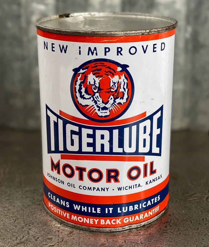 US Vintage Motor Oil Cans